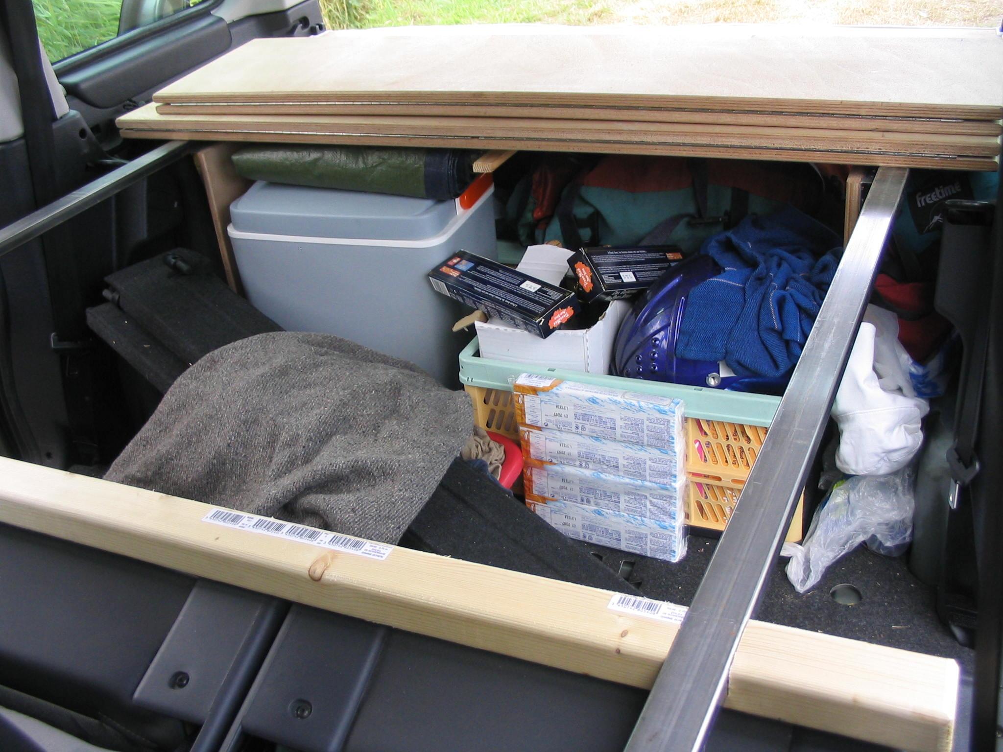 amenager voiture pour dormir ks86 jornalagora. Black Bedroom Furniture Sets. Home Design Ideas